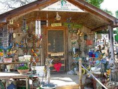 Poet�s Haus Gift Shop at the Fredericksburg Herb Farm