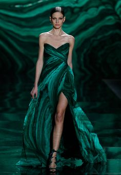 Monique Lhuillier malachite gown, 2013.  I love this so much, I want to take it home to meet my granny.