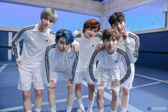 Image shared by ੈ♡˳ᴍʏ ᴛɪᴍᴇ ✰. Find images and videos about kpop, txt and taehyun on We Heart It - the app to get lost in what you love. Yoonmin, Chanyeol, Namjoon, The Dream, Bts Group Photos, Flirt, Korean Men, K Idols, Boy Bands
