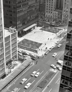 Ludwig Mies van Rohe; Seagram Building, New York, 1954-8 ...