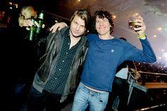 Markus Krunegård & Håkan Hellström. Och öl. Allt bra i en bild.