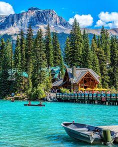 Emerald Lake -Yoho National Park – British Columbia – Canada