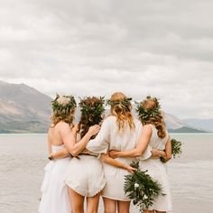New Wedding Boho Bridesmaids Friends Ideas Wedding Dresses Near Me, Bohemian Wedding Dresses, Boho Wedding, Dream Wedding, Bohemian Weddings, Modern Wedding Inspiration, Bridesmaid Inspiration, Wild Photography, Wedding Photography