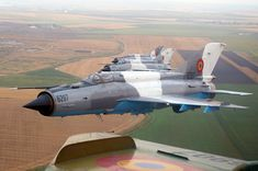fortele care actioneaza avion - Google Search Military Jets, Military Aircraft, Mig 21, Navy Air Force, Chengdu, Fighter Jets, Roman, Pictures, Planes