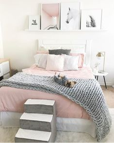 bedroom decor ideas for teens; Small and warm cozy bedroom ideas; Pink and grey bedroom;Minimalist home design. Cozy Teen Bedroom, Pink Bedroom Decor, Girls Bedroom, Bedroom Themes, Pastel Bedroom, Girl Rooms, Teen Bedroom Colors, Trendy Bedroom, Bedroom Bed