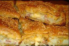 Τι χρειαζόμαστε: 4-5 μέτριες πατάτες 5-6 φέτες άπαχο μπέϊκονΣυνταγές με άρωμα και γεύση για μικρά και μεγάλα παιδιά !! 1 φλυτζάνι κίτρινο τυρί κομμένο σε κύβους (όποιο τυρί σας αρέσει) 1 κρεμμύδι 5… Greek Cooking, Cooking Time, Cooking Recipes, Pie Recipes, Savoury Baking, Savoury Dishes, Food Network Recipes, Food Processor Recipes, My Favorite Food