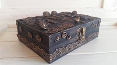 Items similar to Handmade vintage looking box on Etsy Decorative Boxes, Etsy, Vintage, Unique Jewelry, Handmade Gifts, Home Decor, Products, Kid Craft Gifts, Decoration Home