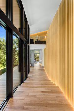 Japanese architect Kengo Kuma paired with Suteki America to design an Asian contemporary home in Happy Valley, a suburb of Portland, Oregon. Roof Design, House Design, Deck Shade, L Shaped House, Portland Japanese Garden, Inspiration Design, Design Ideas, Kengo Kuma, Luxury Estate