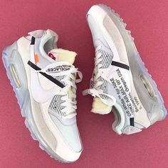 More pics of the Off-White x Nike Air Max 90 surface. Would you add this to your rotation? Photo: @wts1987