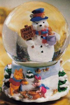 Winnie the Pooh Dancing Snowman Snowglobe