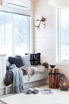 Window seat. Texture in natural and white. Logs held together with a belt end table