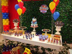 Resultado de imagem para bolos decorados com balões para festas infantis