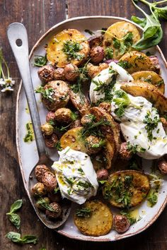 Healthy Dinner Recipes, Vegetarian Recipes, Cooking Recipes, Healthy Spring Recipes, Skillet Recipes, Cooking Gadgets, Vegetarian Grilling, Delicious Meals, Easy Cooking