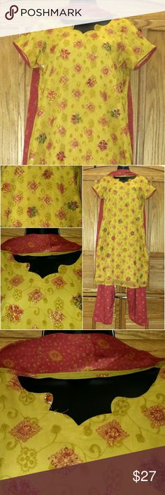 """Bollywood 3pc Indian Dress l Salwar Kameez Dupatta 3pc Salwaar (pants), Kameez (tunic), & Dupatta (long scarf) Indian Dress. Lined. Kurta/Tunic with embellishments, Salwar/pants with drawstring waistband, & Dupatta Long matching printed scarf. Approx. measurements Kurta/Top Bust 42 """", Waist 42"""", Hip - 44"""", Length 36"""". Pants: Free size. Top has an extra 2-4"""" to make it larger.   Design & stitching by a master tailor.  Bundle multiple purchases to avail discounts_ save on shipping. Indian…"""