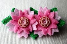 Tutorial: Felt cherry-blossom brooch