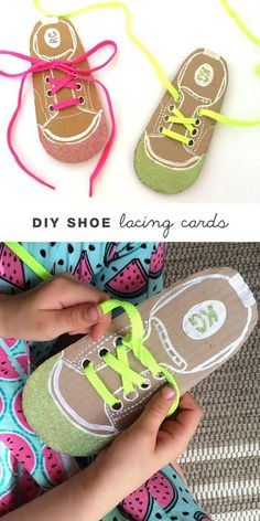 Help kids learn to tie their shoe laces by making your own DIY shoe lacing cards(Pour Enfant) Montessori Activities, Motor Activities, Preschool Activities, Montessori Materials, Cutting Activities, Toddler Learning, Preschool Learning, Diy For Kids, Crafts For Kids