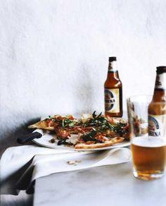 Guy tea, bier en pizza middag voor glutenvrije mannen.