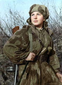 Sapper scout Sima (Alexandra) Dneprovskaya, 1943 by klimbims on DeviantArt Ww2 Women, Military Women, Military History, Women In Combat, Soviet Army, Female Soldier, Red Army, World War Two, Wwii
