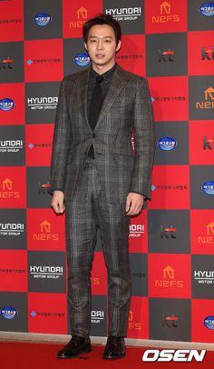 Chun BB at the 6th KOFRA Film Awards Red Carpet ❤️ JYJ Hearts