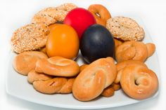 Greek Easter Eggs and Biscuits. Traditional Greek Easter eggs with homemade Gree , Egg Biscuits, Greek Easter, Holi, Easter Eggs, Food And Drink, Homemade, Fruit, Traditional, Home Made