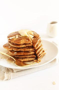 FLUFFY Whole Grain Vegan Pancakes made with spelt flour. So fluffy, delicious and just 1 bowl required #vegan #breakfast
