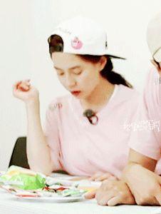 Song Ji Hyo, Running Man ep. 312. © on gif