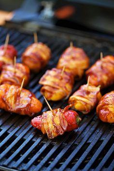 Gegrillte Paprika mit Bacon | Zeit: 15 Min. | http://eatsmarter.de/rezepte/gegrillte-paprika-mit-bacon