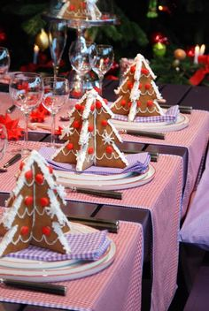 Adorable idea for a Christmas place setting!