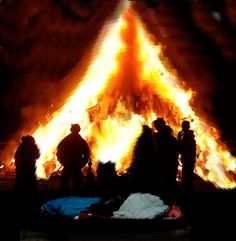 No, you can't sleep by the bonfire at the Huon Valley Winter-Fest 2015. Get the info, make your plans and book ahead. http://www.huonvalleyescapes.net/huon-winter-fest.html