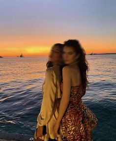 Beach Friends, Cute Friends, Summertime Madness, Cute Friend Pictures, Cindy Kimberly, Gal Pal, Summer Photos, Sunset Photography, Couple Posing