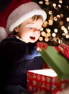 The Joy of Christmas Morning in Photographs (children christmas photos) Toddler Christmas Photos, Christmas Minis, Family Christmas, Christmas Holidays, Christmas Quotes, Christmas Wreaths, The Night Before Christmas, Christmas Morning, Xmas Photos