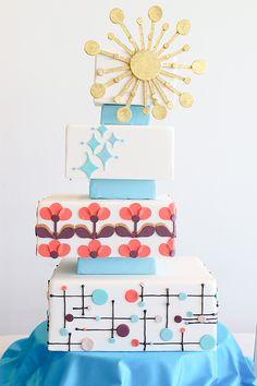 Mid-Century Mod Wedding Inspiration – Famous Last Words Retro Wedding Cakes, Round Wedding Cakes, Mod Wedding, Wedding Day, Retro Weddings, Ranch Weddings, Dream Wedding, Wedding Shit, Cake Wedding