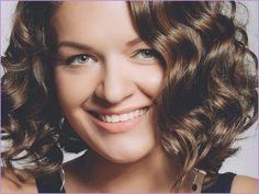 Neue Vorteilhafte Frisuren Fur Menschen Mit Wiederhergestellten Haaren Frisuren 2020 Haaar Geheimratsecken Frisuren Frisuren Bei Haarausfall