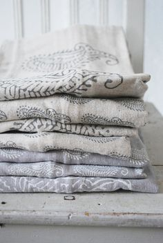 'Soul of Maia' paisley printed linen pillow covers: Julias vita Drommar, Sweden