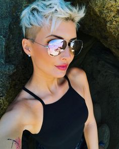 Ich wünsche euch allen einen schönen Start ins Wochenende ☀️ #holiday #travel #traveler #travelphotography #summer #sun #sunglasses #beauty #beautiful #hair #hairstyle #haircut #pixie #pixiecut #undercut #blonde #pretty #love #amazing #photooftheday #friday #capetown