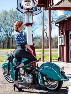 Indian Motorcycle Girls Pin Up 62 Ideas For 2019 Mv Agusta, Motorcycle Design, Motorcycle Style, Motorcycle Girls, Motorcycle Jackets, Motorcycle Helmets, Triumph Motorcycles, Kawasaki Motorcycles, Ducati