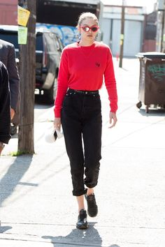 46 Times We Wanted Gigi Hadid's Outfit Gigi Hadid Looks, Gigi Hadid Style, Distressed Jeans, Boyfriend Jeans, Mom Jeans, Gigi Hadid Outfits, Ripped Jeggings, Trendy Swimwear, Denim Trends