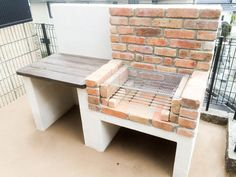 Amazing Ideas for Small Backyard Landscaping - My Backyard ideas Diy Barbecue, Barbecue Garden, Barbecue Design, Small Backyard Landscaping, Backyard Bbq, Outdoor Fireplace Brick, Brick Bbq, Brick Built Bbq, Fire Pit Grill