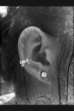 Bow earring <3