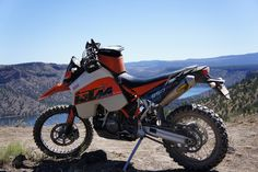 I figured the 950 Adv and 640 had there own photo threads so why not the new Super Enduro :evil Here is a photo of my 2007 with Acerbis Bark. Ktm 950, Rally Raid, Ktm Duke, Orange Crush, Paul Walker, Motocross, Offroad, Automobile, Motorcycles