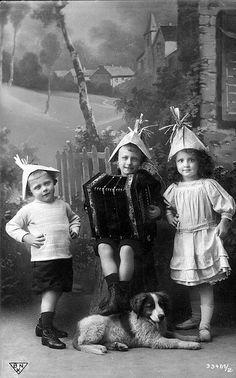 kids accordion paper hats