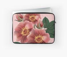 'fleurs roses - big pink flowers' Housse de laptop by LEAROCHE Telephone, Pink Flowers, Roses, Laptop, Iphone, Big, Pink Blossom, Flowers, Pink