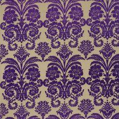 Le tissu Ombrione de Designers Guild : Ce velours à motif d'inspiration classique est décliné dans teintes vives et éclatantes....