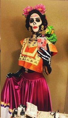 From Coco Theme Halloween, Halloween Looks, Family Halloween Costumes, Halloween 2018, Halloween Diy, Happy Halloween, Halloween Decorations, Mexican Halloween Costume, Halloween Stuff
