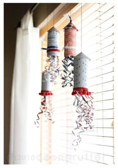 Mind's Eye American Made: Rockets Adorable Fourth of July craft!Adorable Fourth of July craft! Patriotic Crafts, July Crafts, Summer Crafts, Holiday Crafts, Crafts For Kids, Arts And Crafts, Paper Crafts, Daycare Crafts, Foam Crafts