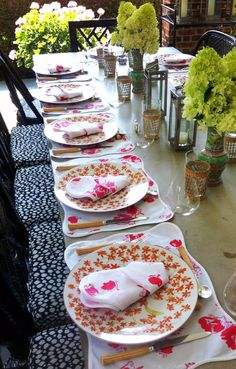 Mixed prints for the table