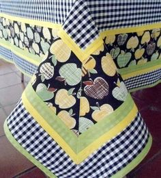 Tablescape | Tablecloth