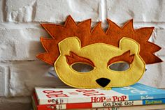CHILD Felt Lion mask Halloween costume by littlebitdesignshop, $18.00