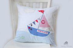 Segelboot Kissen personalisierte Kissen für von CheekyStitches