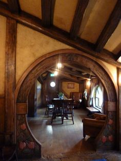 Pretty Hobbit House Interior Design You Will Not Believe It - My Dream House Hobbit Hole, The Hobbit, Interior Exterior, Interior Design, Storybook Homes, Tadelakt, Natural Homes, Earth Homes, Natural Building